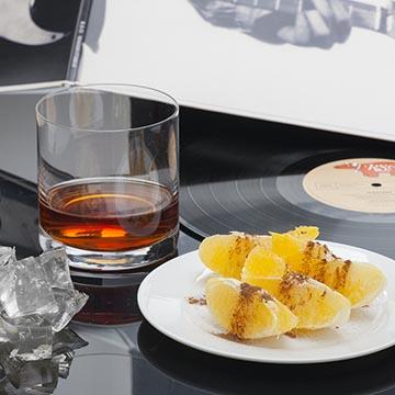 Ром, апельсины и лед. Food съемка. Фотографическое агентство GurFoto.Ru