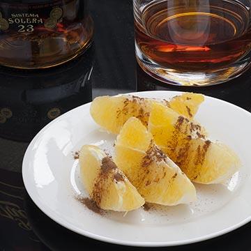 Ром, апельсины с корицей. Food съемка. Фотографическое агентство GurFoto.Ru