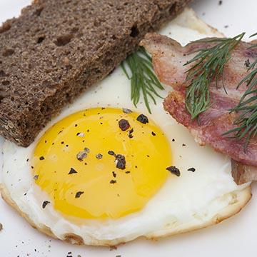 Food-съемка любой сложности: от куриных яиц, до сложнейших кулинарных шедевров.