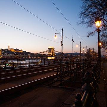 Вид на Цепной мост. Ночная съемка. Будапешт. Фотографическое агентство GurFoto.Ru