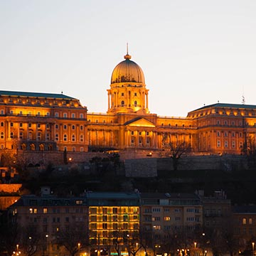 Национальная галерея. Ночная съемка. Будапешт. Фотографическое агентство GurFoto.Ru